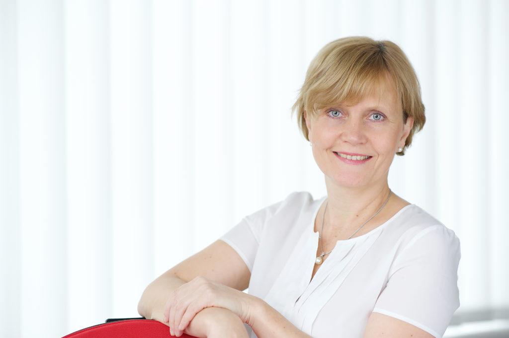 Dr. Katrin Lätt